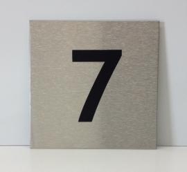 RVS deurplaatje, met nummer 7 - formaat 9 x 9 cm