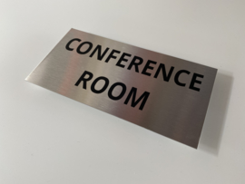 """RVS deurplaatje, opschrift """"CONFERENCE ROOM"""" 18x9cm"""