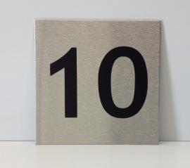 RVS deurplaatje, met nummer 10 - formaat 9 x 9 cm