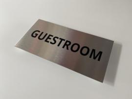 """RVS deurplaatje, opschrift """"GUESTROOM"""" - 18x9 cm"""
