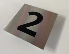 RVS deurplaatje, met nummer 2 - formaat 9 x 9 cm