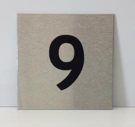 RVS deurplaatje, met nummer 9 - formaat 9 x 9 cm