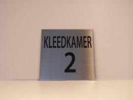 RVS deurplaatje , tekst KLEEDKAMER 2, 9 x 9 cm