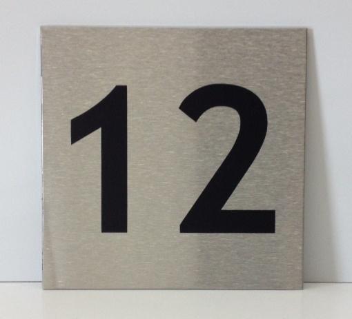 RVS deurplaatje, met nummer 12 - formaat 9 x 9 cm