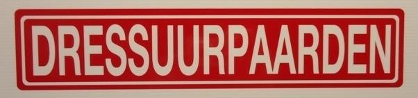 """Sticker opschrift """"DRESSUURPAARDEN"""" - Art.nr.0031"""