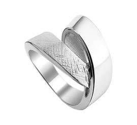 Gedraaide Ring van Gescratcht met Gepolijst Zilver en Rhodium
