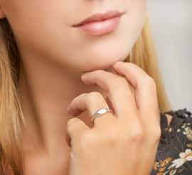 Zilveren Graveer Ring met Rhodium voor Dames   Initialen Ring