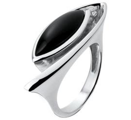 Zilveren Fantasie Ring met Gepunte Ovale Zwarte Onyx