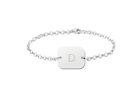 Names4ever Zilveren Armband met Geronde Rechthoekige Letterhanger