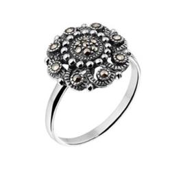 Slanke Zilveren Ring met Marcasiet Kopstuk van Geoxideerd Zilver