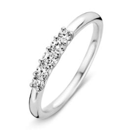 Excellent Jewelry Slanke Witgouden Ring met Vijf Zirkonia's
