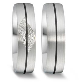 Bolstaande Brede Trouwringen Set van Mat Zilver met Carbon en Diamanten