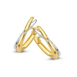 Excellent Jewelry Geelgouden Creolen met Witgouden Element en Zirkonia