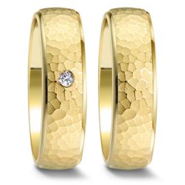 Gehamerde Geelgouden Trouwringen Set met Diamant
