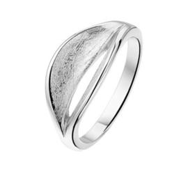 Ring met Gescratcht Opengewerkt Kopstuk van Zilver / Maat 17,8