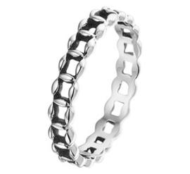 Slanke Opengewerkte Schakel Ring van Geoxideerd Zilver