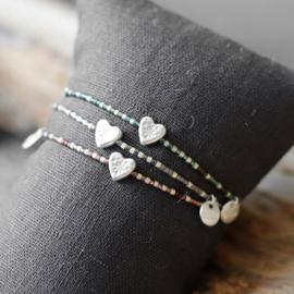 Metalen Zilverkleurige Armband met Hartje en Groene Decoraties
