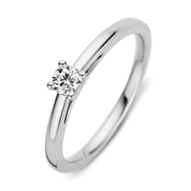 Excellent Jewelry Slanke Witgouden Ring met 0,19 crt. Briljant