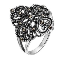 Zilveren Ring met Marcasiet Kopstuk / Ringmaat 16,5
