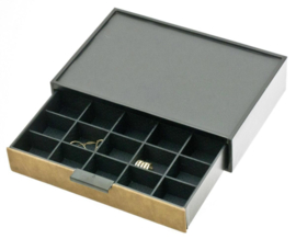 Bruine Glamour Box met 20 vakjes van Davidts