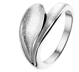 Zilveren Ring met Gescratcht Ovaal Uitsteeksel