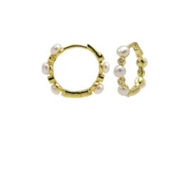 Goudkleurige Oorringen met Witte Parels   Karma Jewelry