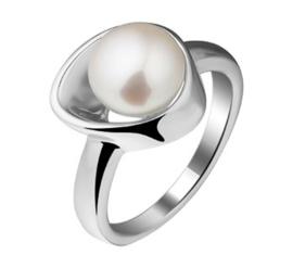Dames Ring van Zilver met Zoetwaterparel Kopstuk