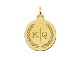 Gouden Ronde Initialen Hanger met Lauwerkrans | Names4ever