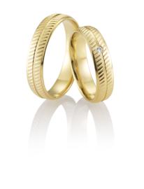 Breuning Gouden Aine Trouwringen Set met Diagonale Strepen en Diamant