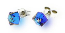 Felblauwe Swarovski Kubus Oorstekers van Spark Jewelry