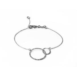 Super Stylish Zilveren Armband met Dubbele Cirkel