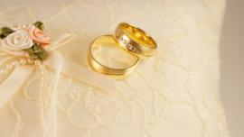 Bruidsboeket Trouwringen Kussentje van Ivoorkleurige Zijde