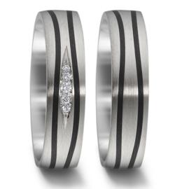 Stijlvolle Zilveren Trouwringen Set met Carbon Stroken en Diamanten