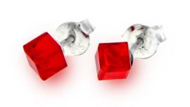 Rode Swarovski Kubus Oorstekers van Spark Jewelry