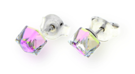 Licht Paarse Swarovski Kubus Oorstekers van Spark Jewelry