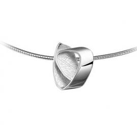 Zilveren Omega Collier met Gevouwen Gescratchte Hanger
