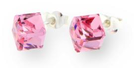 Stevige Roze Swarovski Kubus Oorstekers van Spark Jewelry