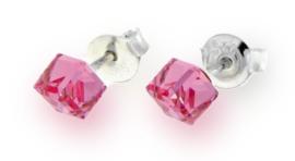 Roze Swarovski Kubus Oorstekers van Spark Jewelry
