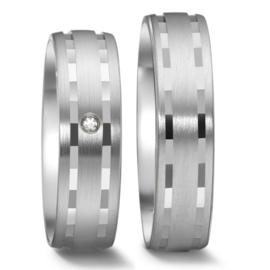 Matte Trouwringen Set van Zilver met Gepolijste Lijnen en Diamant