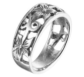 Gedecoreerde Bloem Ring van Geoxideerd Zilver
