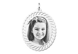 Ovale Zilveren Fotogravure Hanger van Names4ever