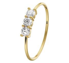 Slanke Geelgouden Ring met Drie Kleurloze Zirkonia's