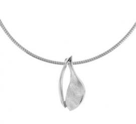 Zilveren Omega Collier met Gescratchte Hanger