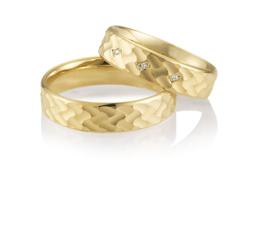 Gouden Bes Gestructureerde Trouwringen Set met Diamanten