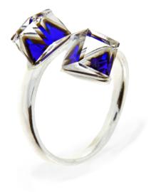 Zilveren Ring met Dubbele Donkerblauwe Swarovski Kubus van Spark