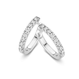 Slanke Creolen van Witgoud met 0,54 crt. Diamanten