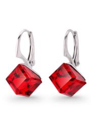 Kubus Rode Swarovski Oorbellen van Spark Jewelry