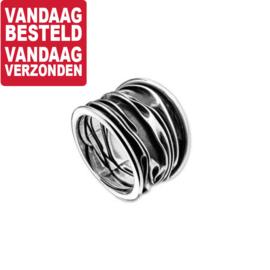 Ring van Geoxideerd Zilver met Golvend Patroon / maat 19
