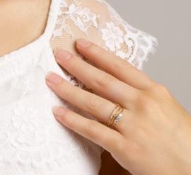 Slanke Geelgouden Ring met 0,015crt Diamant