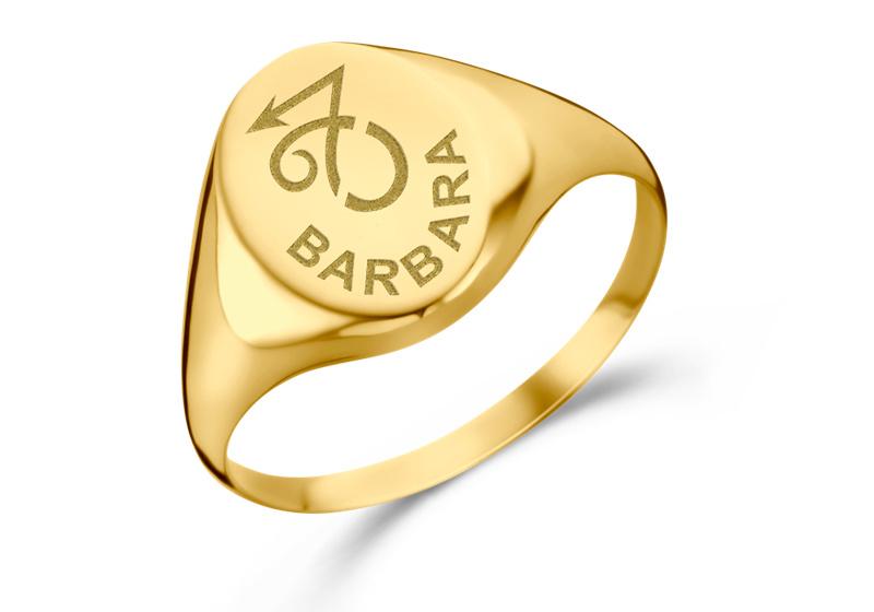 Gouden Zegelring Ovaal met Sterrenbeeld en Naam   Names4ever